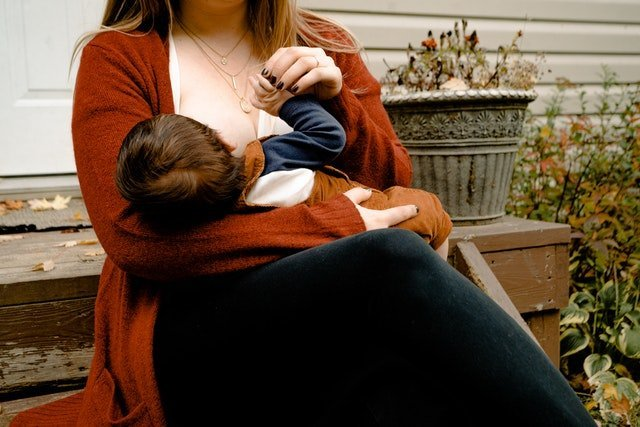 breast milk smell like eggs, onions or fish