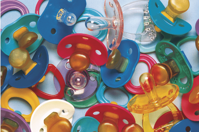 Can pacifier ruin a baby's latch