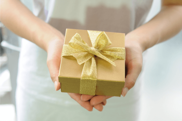 Gifts for doctors after delivery
